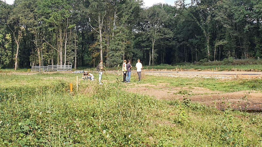 Futurs paysagistes en visite sur le site du Champ de Manoeuvre